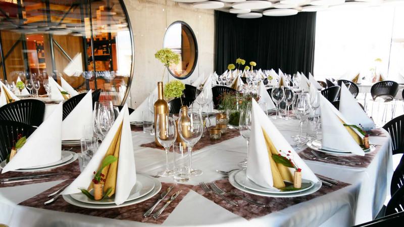 SECLI Weinwelt Veranstaltungen gedeckter Tisch